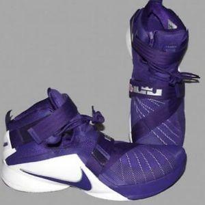 King James Nike shoes 17.5 men's purple IX soldier